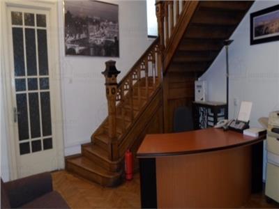 Casa de inchiriat sediu social Universitate-ID102