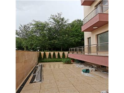 Apartament parter +curte