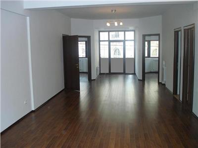 Apartament 4 camere de inchiriat - ID 133
