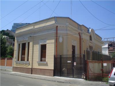 Vila superba de inchiriat Armeneasca 400mp - ID 190