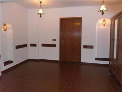 Apartament 4 camere nemobilat - ID 198