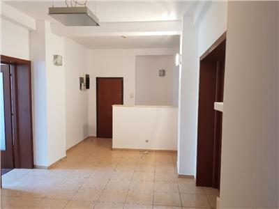 birouri 5 camere de inchiriat - ID 255