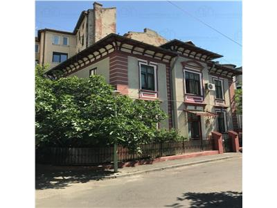 Vila 330mp de inchiriat Polona - ID258