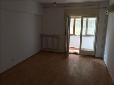 Apartament 6 camere Universitate nemobilat - id267