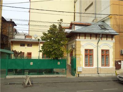 casa 7 camere de inchiriat -ID34