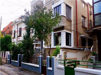 Vila de inchiriat 12 camere in Cotroceni -ID36