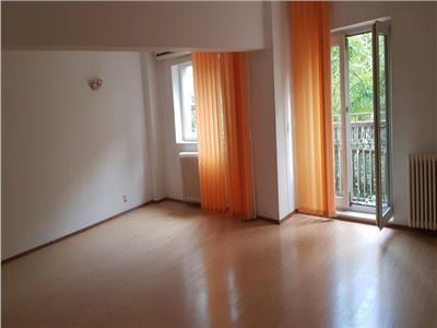 Apartament 3 camere de inchiriat nemobilat UNIRII-ID