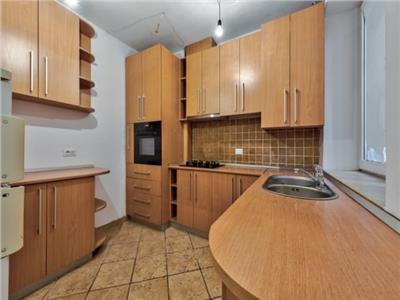 Apartament lux nemobilat locuit